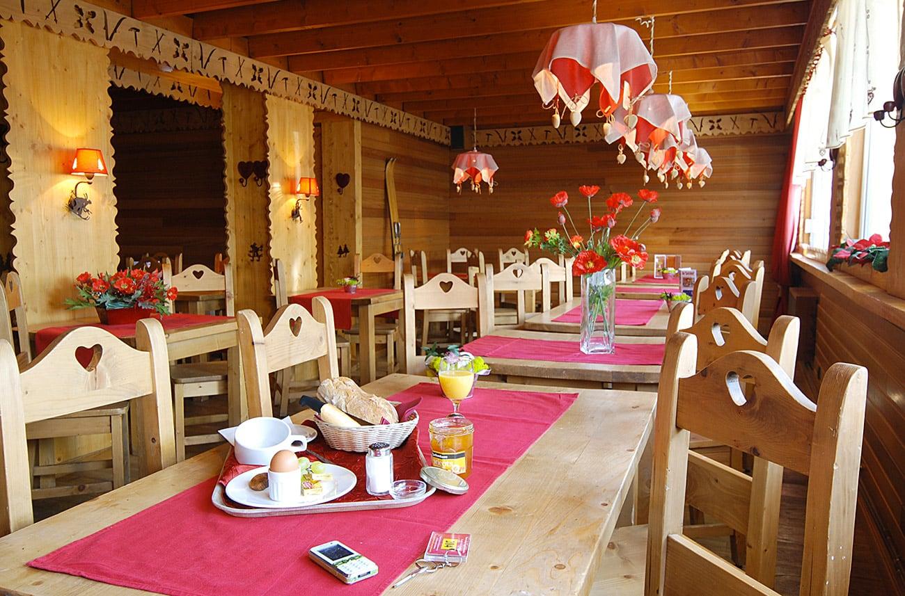 Salle des petits-déjeuners hôtel Carlit